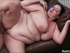BBW blows long cock and gets fucked